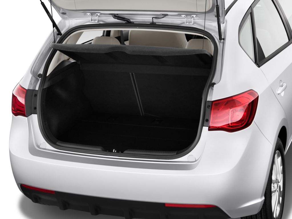Image: 2011 Kia Forte 5-Door 5dr HB Auto EX Trunk, size ...