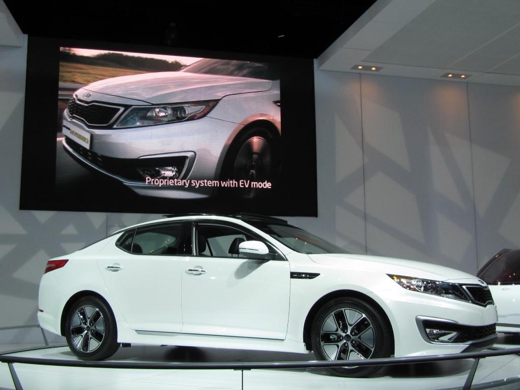 Image: 2011 Kia Optima Hybrid, at 2010 Los Angeles Auto ...