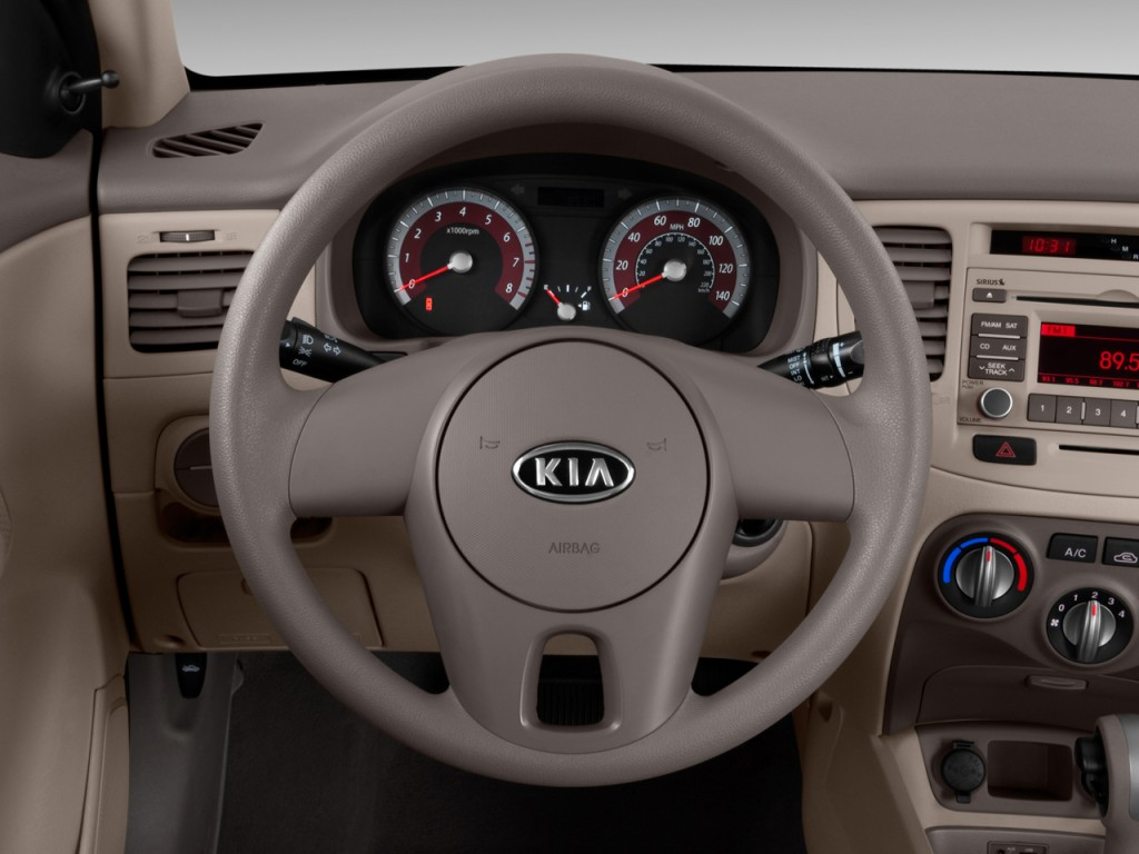 image 2011 kia rio 4 door sedan lx steering wheel size. Black Bedroom Furniture Sets. Home Design Ideas