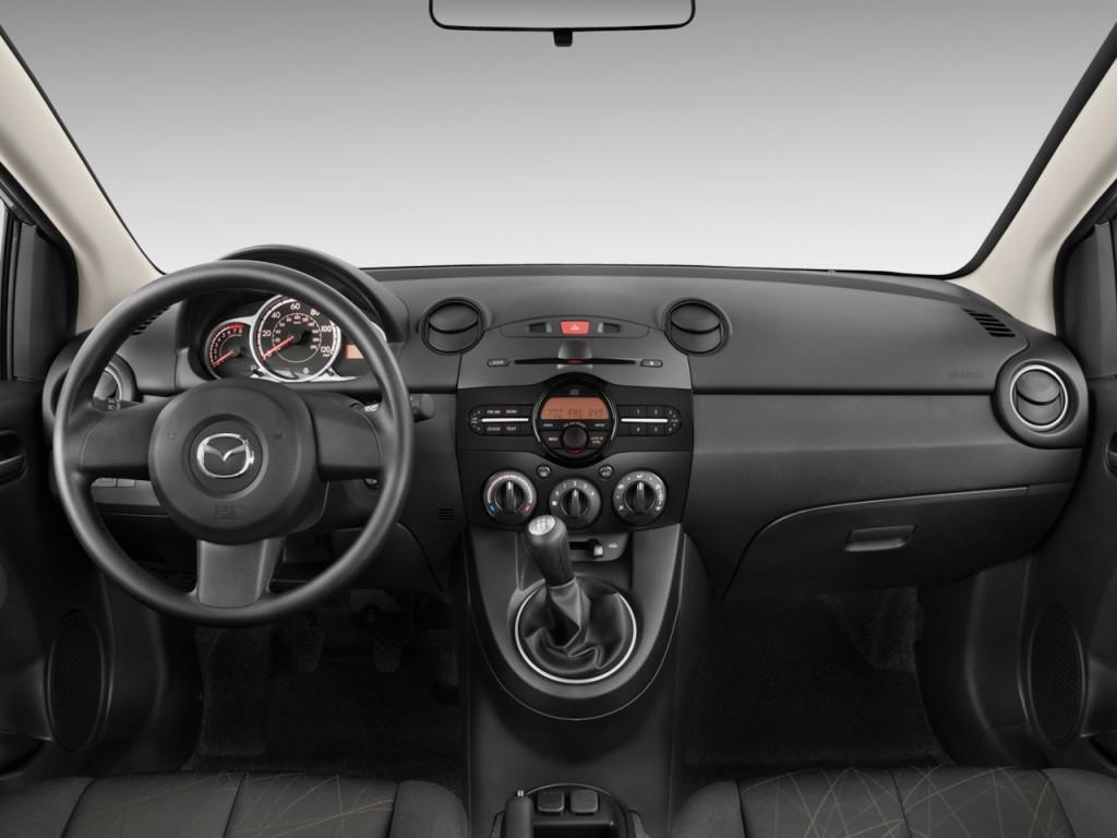 Image: 2011 Mazda MAZDA2 4-door HB Auto Sport Dashboard ...