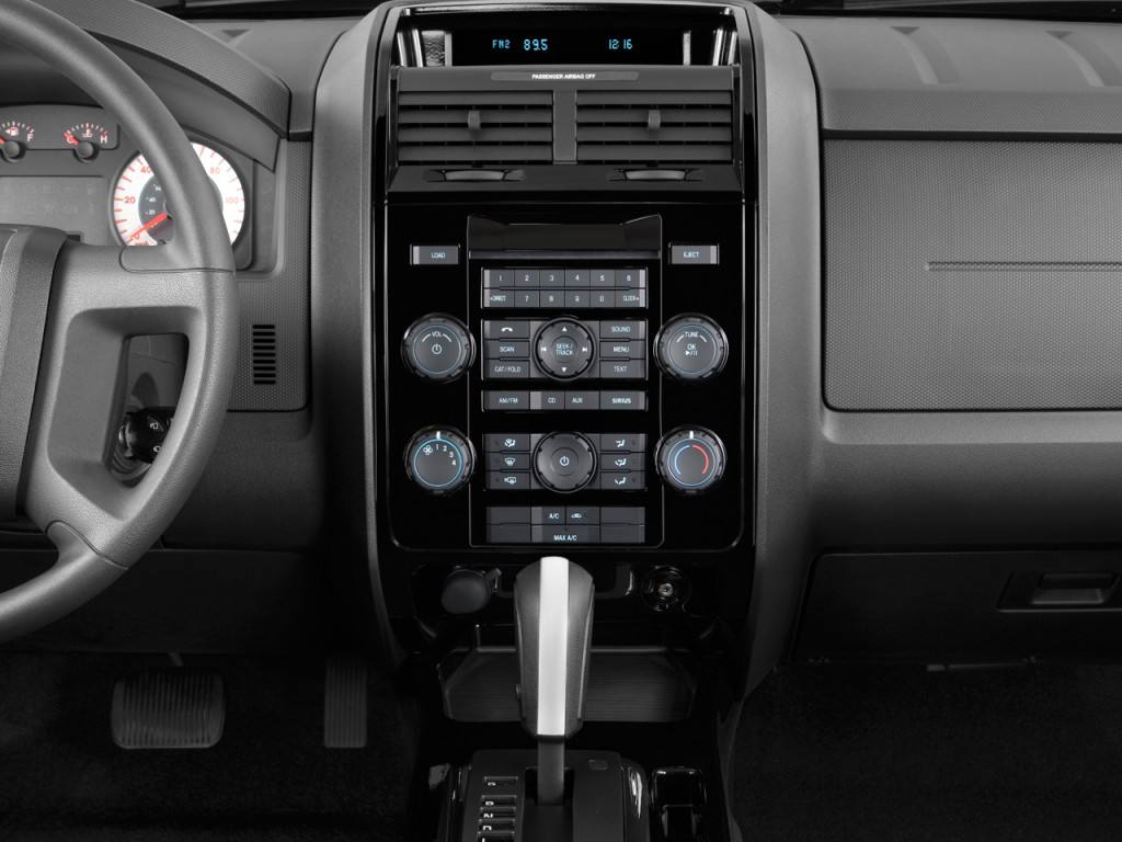 image 2011 mazda tribute fwd 4 door i4 auto sport instrument panel size 1024 x 768 type gif. Black Bedroom Furniture Sets. Home Design Ideas
