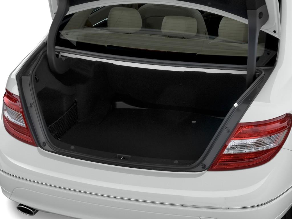 Image 2011 Mercedes Benz C Class 4 Door Sedan 3 0l Luxury