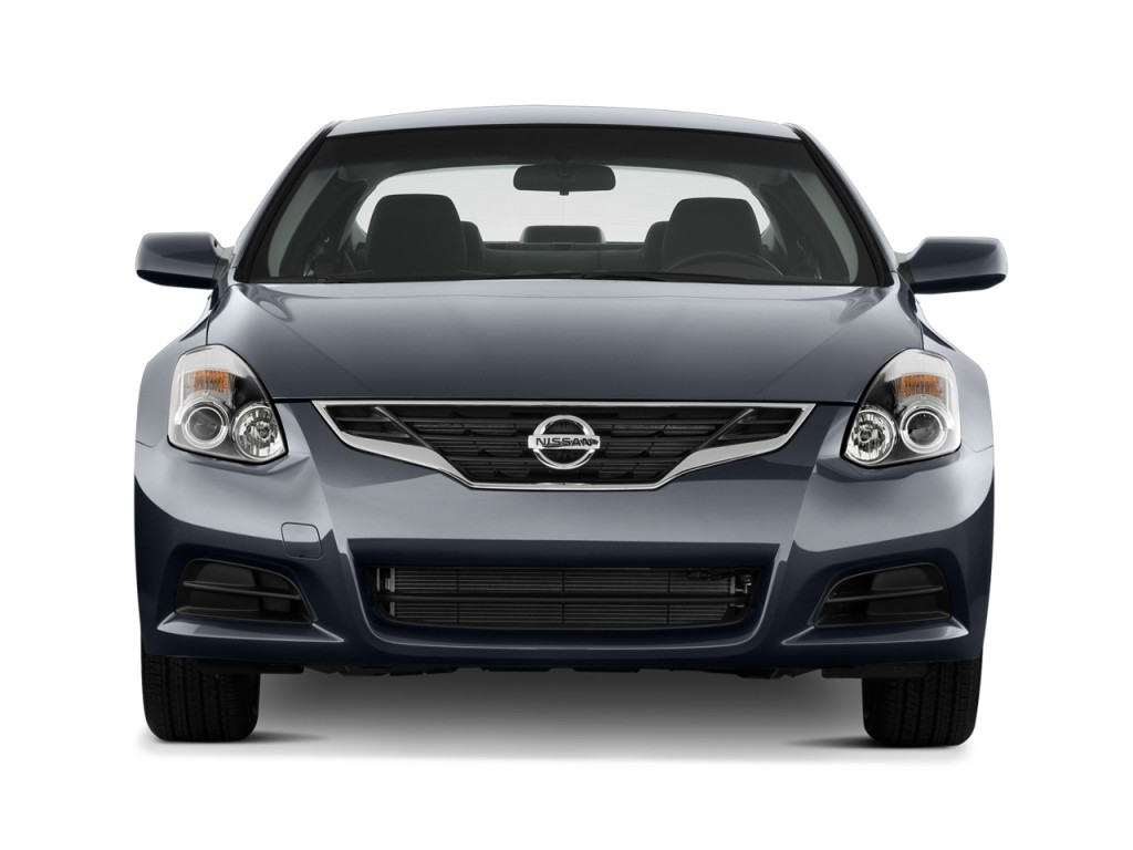 image 2011 nissan altima 2 door coupe i4 cvt 2 5 s front. Black Bedroom Furniture Sets. Home Design Ideas