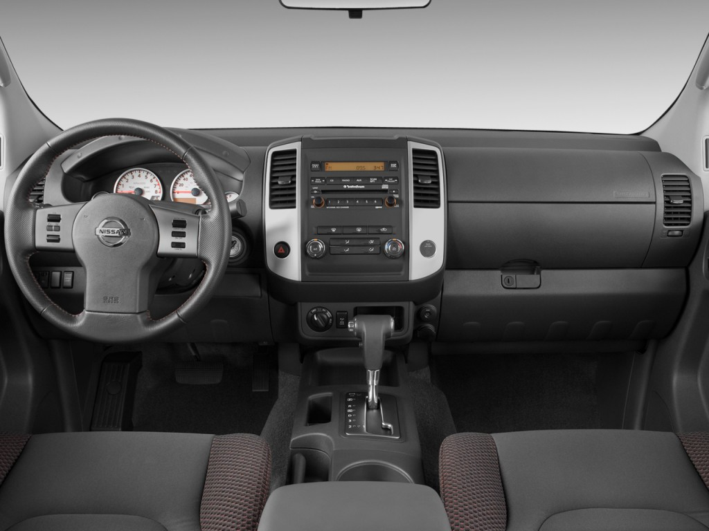 image: 2011 nissan frontier 2wd crew cab swb auto pro-4x dashboard