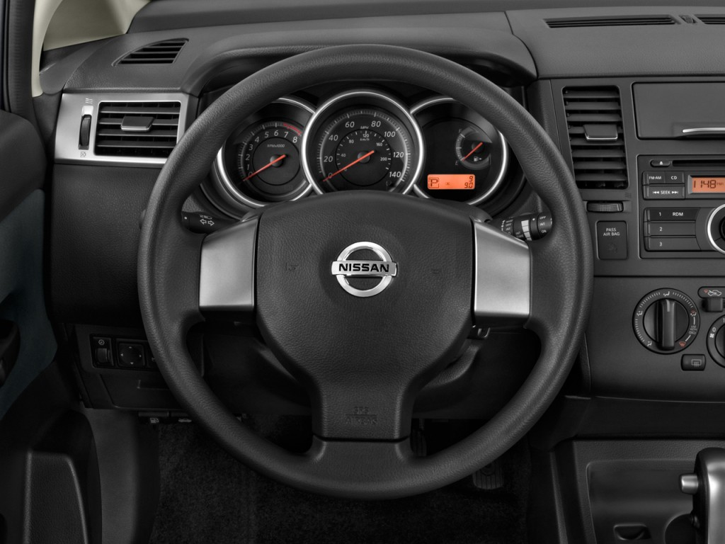 image 2011 nissan versa 5dr hb i4 auto 1 8 s steering wheel size 1024 x 768 type gif. Black Bedroom Furniture Sets. Home Design Ideas