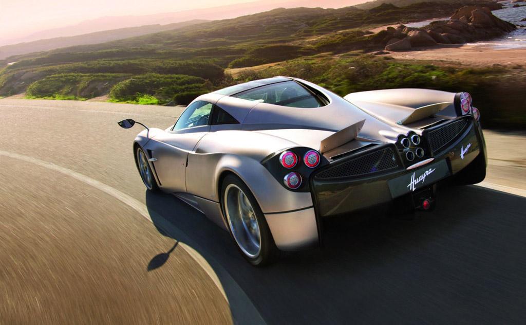 Pagani Huayra sets production car lap record at Top Gear Test Track