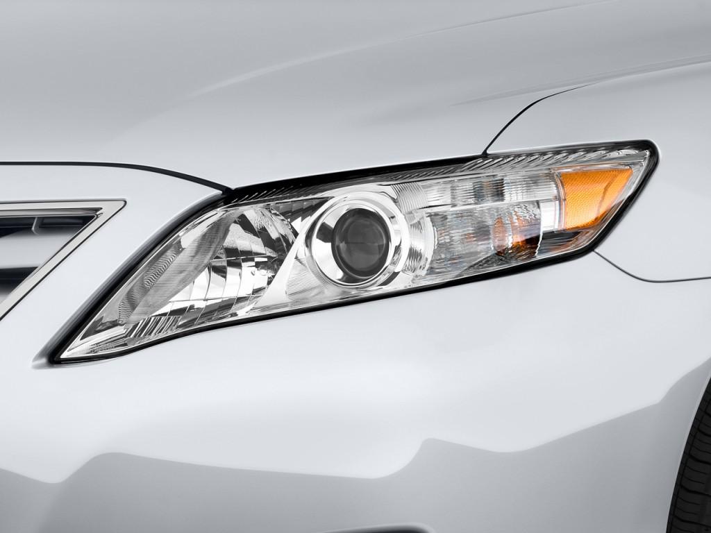 2011 toyota camry 4 door sedan v6 auto le natl headlight