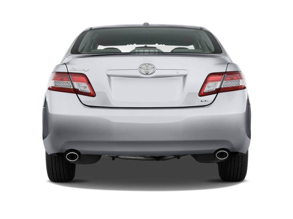 Toyota Camry Door Sedan V Auto Le Natl Rear Exterior View L