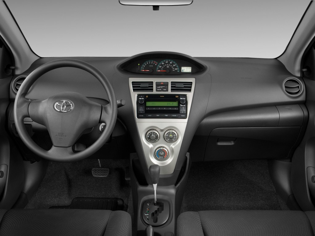 Image 2011 Toyota Yaris 4 Door Sedan Auto Gs Dashboard