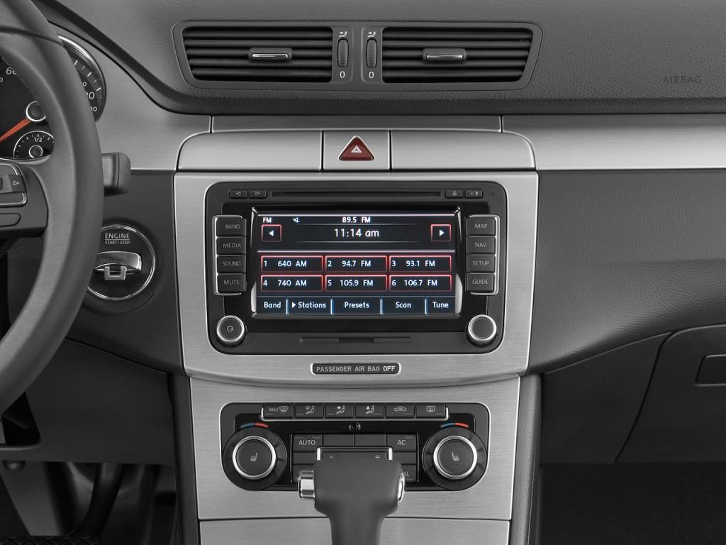 Image: 2011 Volkswagen CC 4-door Sedan Lux Instrument ...