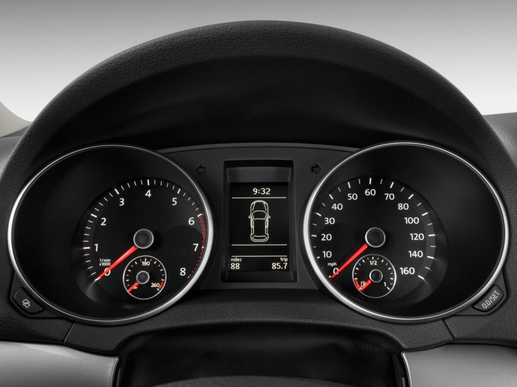 Image: 2011 Volkswagen Golf 4-door HB Auto Instrument ...