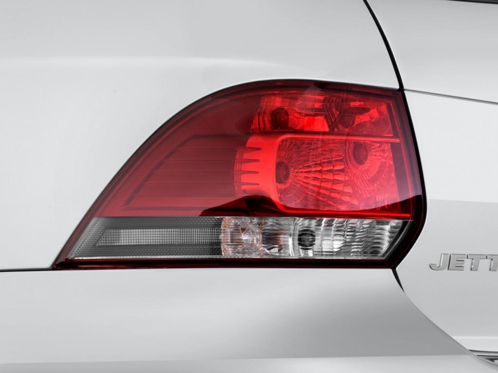 image  volkswagen jetta sportwagen  door dsg tdi tail light size    type gif