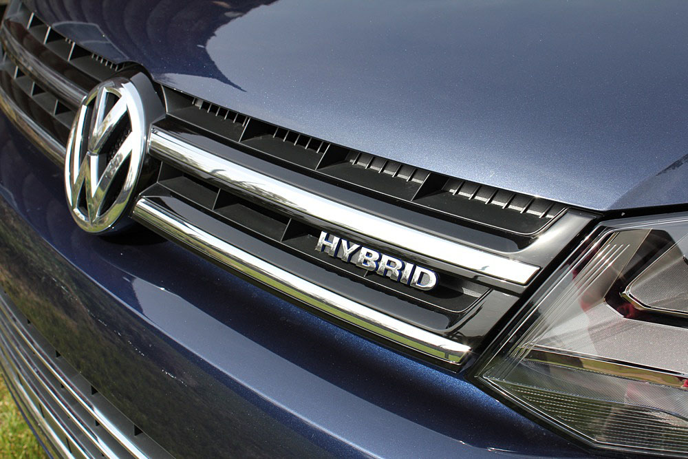 Another Defunct Hybrid: 2016 Volkswagen Touareg SUV Loses