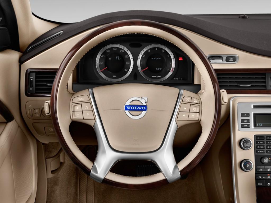 Volvo S Door Sedan L Fwd Steering Wheel L