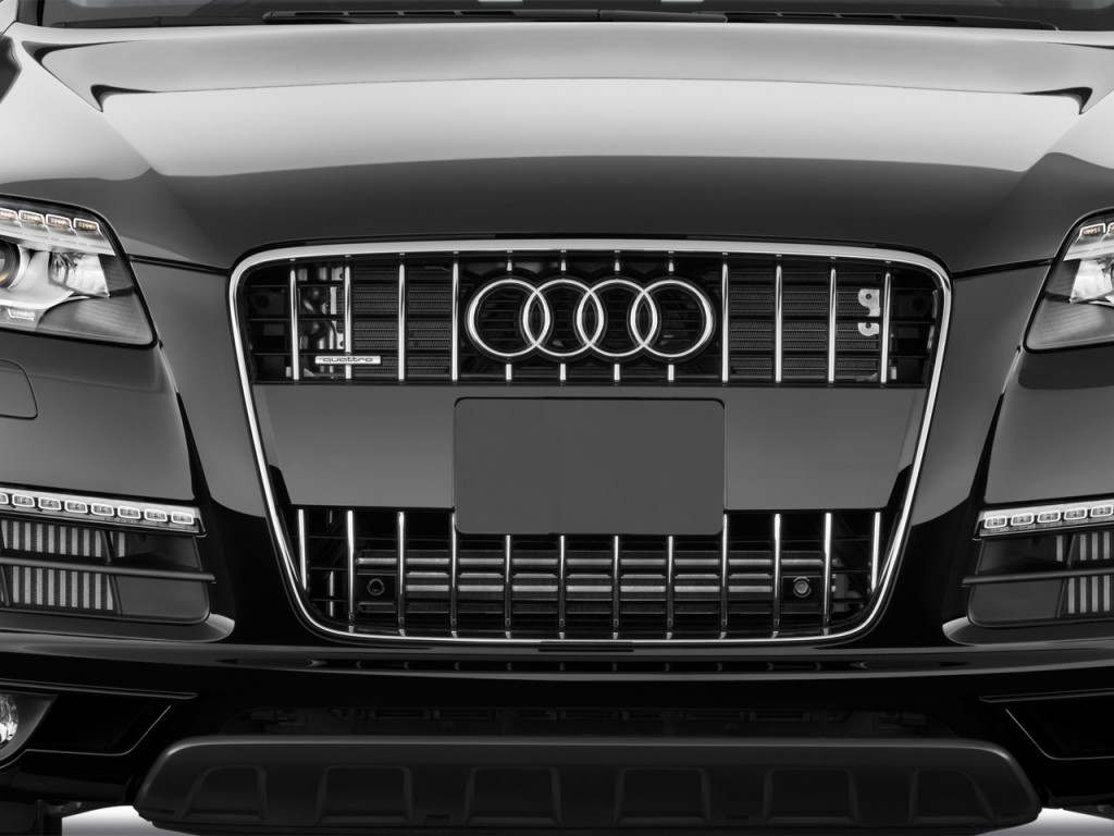 2012 Audi Q7 quattro 4-door 3.0L TDI Premium Grille