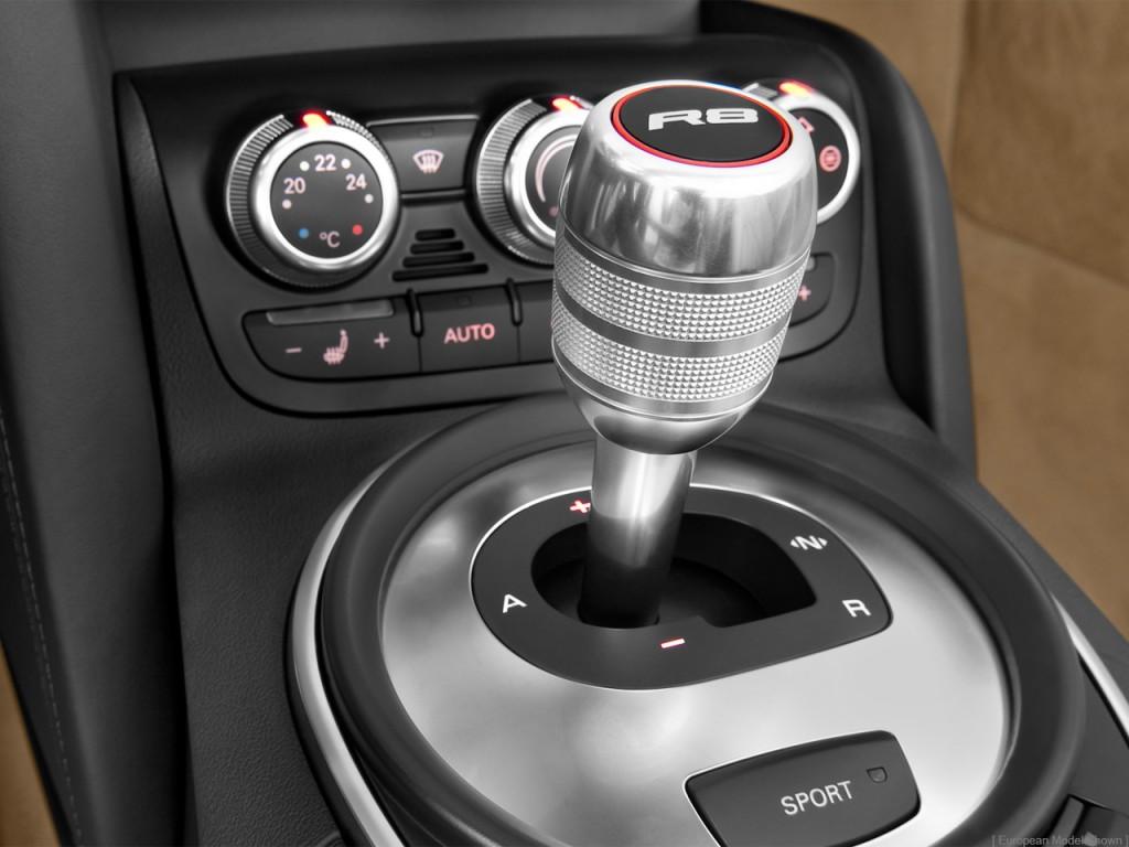 Image: 2012 Audi R8 2-door Convertible Auto quattro Spyder ...