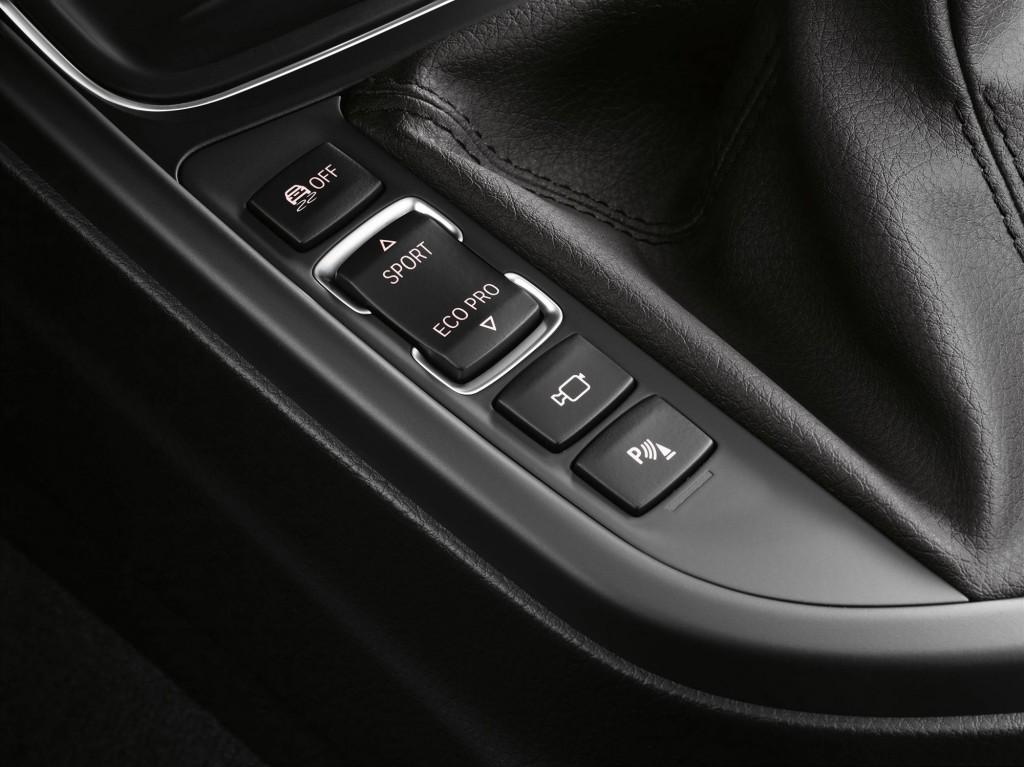 2012 BMW 3-Series sedan interior