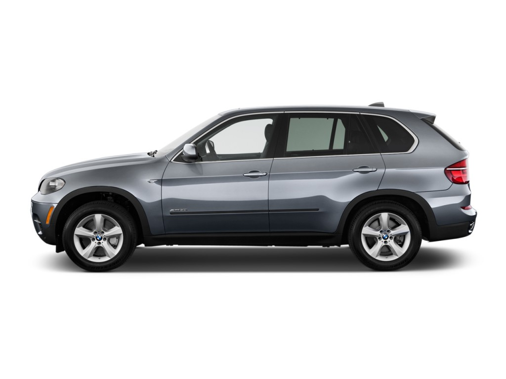 2012 BMW X5 AWD 4-door 50i Side Exterior View