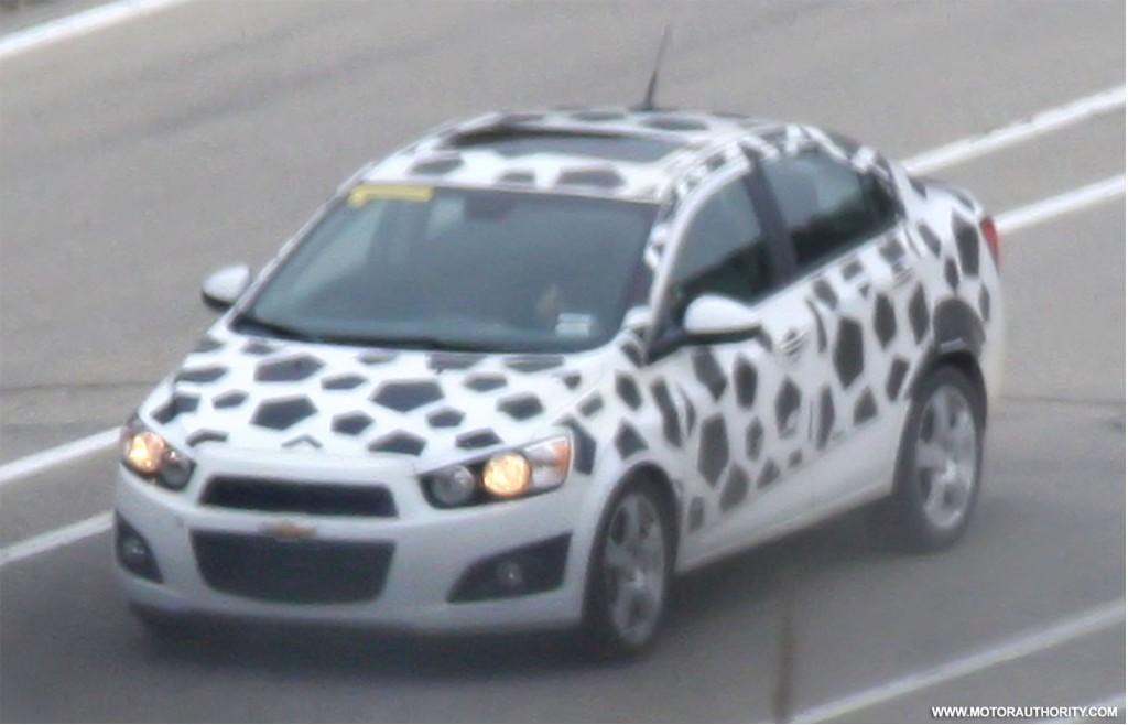Spy Shots 2012 Chevrolet Aveo Sedan