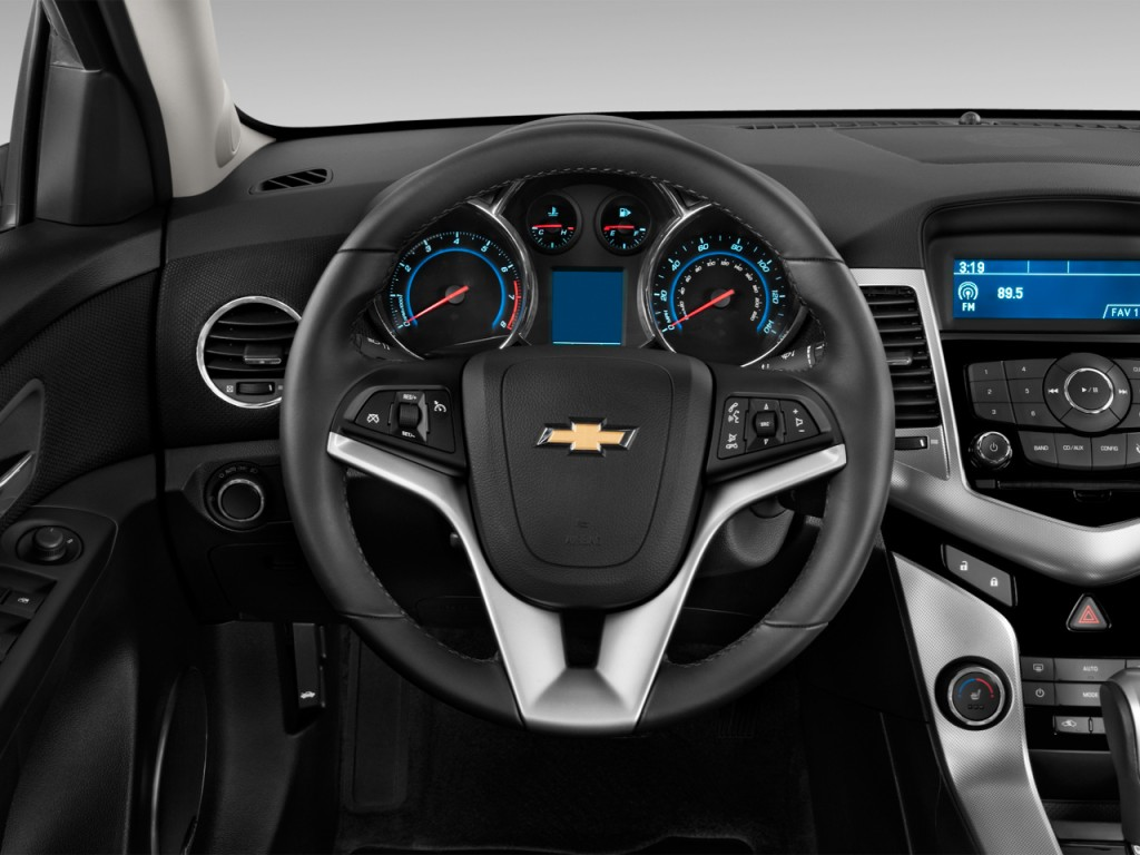 Cruze chevy cruze 2012 : Image: 2012 Chevrolet Cruze 4-door Sedan LTZ Steering Wheel, size ...