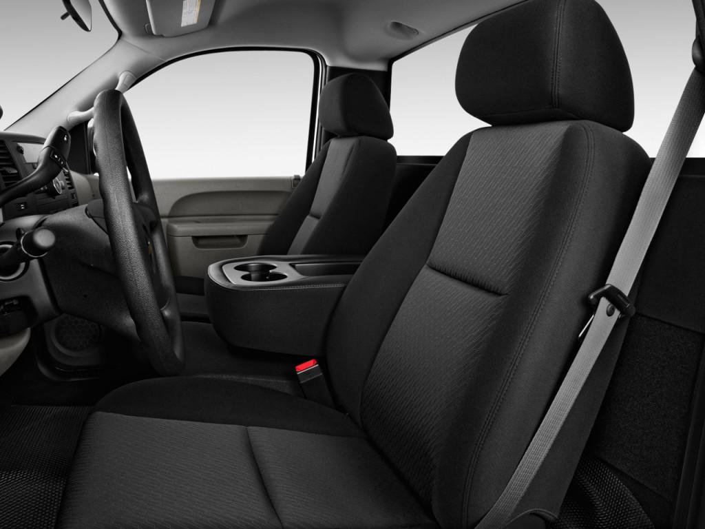 2012 Chevrolet Silverado 2500HD 2WD Reg Cab 133.7