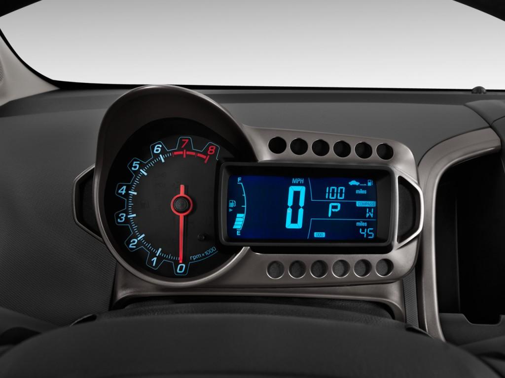 2012 Chevrolet Sonic 4-door Sedan 1LT Instrument Cluster