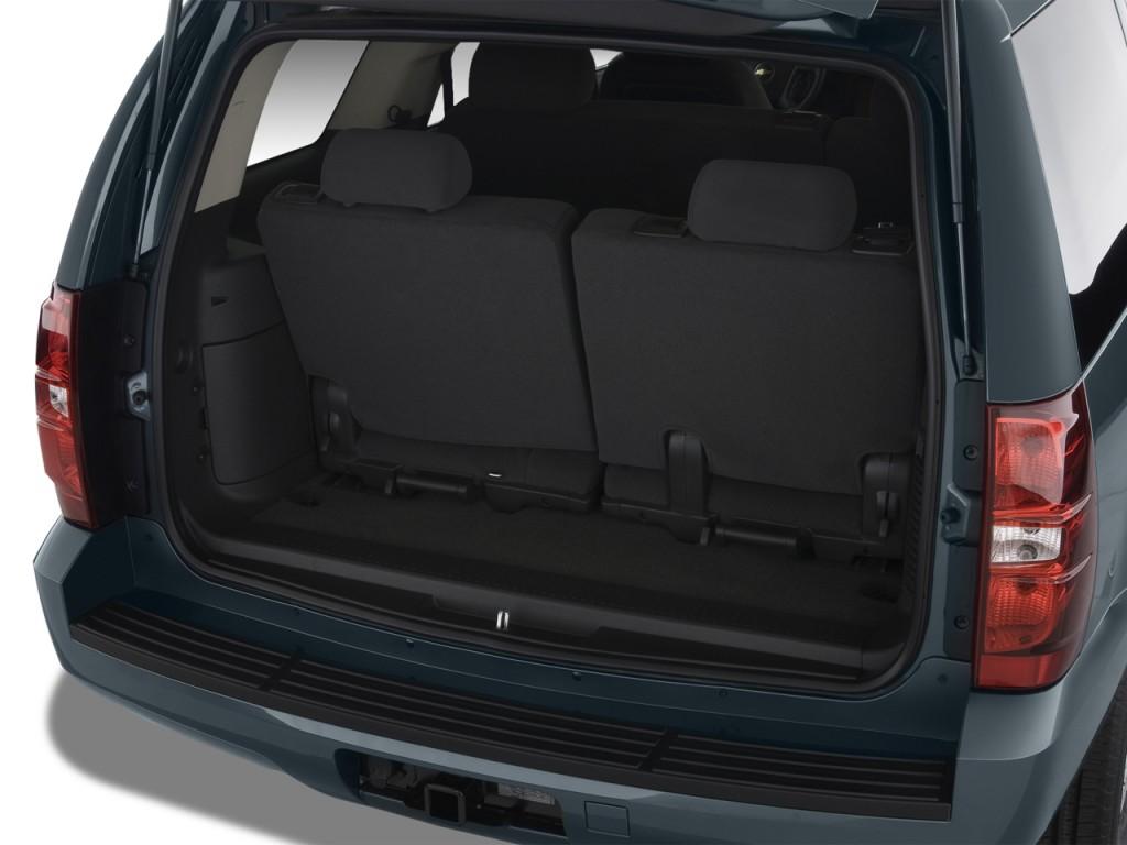 Image 2012 chevrolet tahoe 2wd 4 door 1500 lt trunk size for Chevrolet interieur