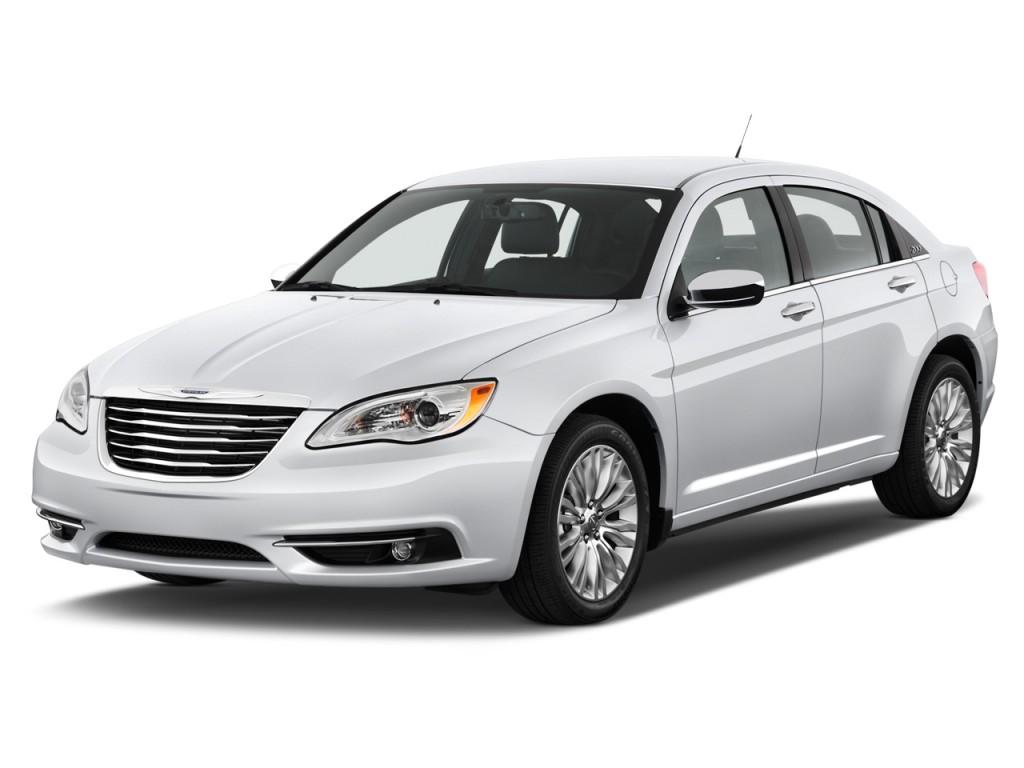 2012 Chrysler 200 4-door Sedan Limited Angular Front Exterior View