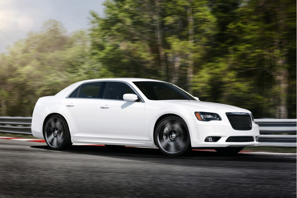 2012 chrysler 300 srt8 dodge charger srt8 recall alert. Black Bedroom Furniture Sets. Home Design Ideas