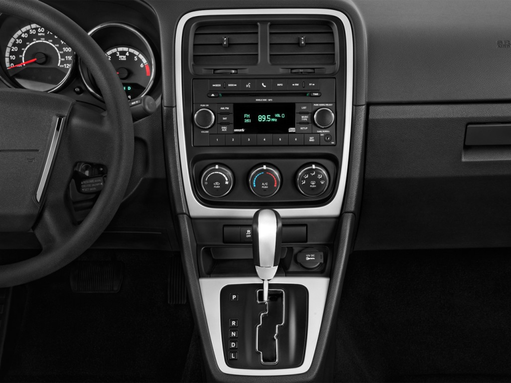 image 2012 dodge caliber 4 door hb sxt instrument panel. Black Bedroom Furniture Sets. Home Design Ideas
