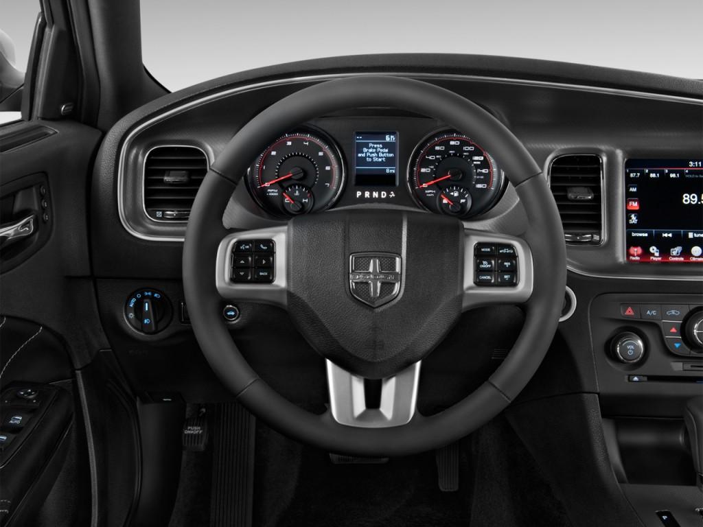 Image 2012 Dodge Charger 4 Door Sedan Rt Max Rwd Steering