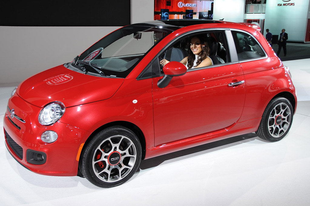 2012 Fiat 500 Minicar: Fun, Fashionable, Functional Fuel Economy