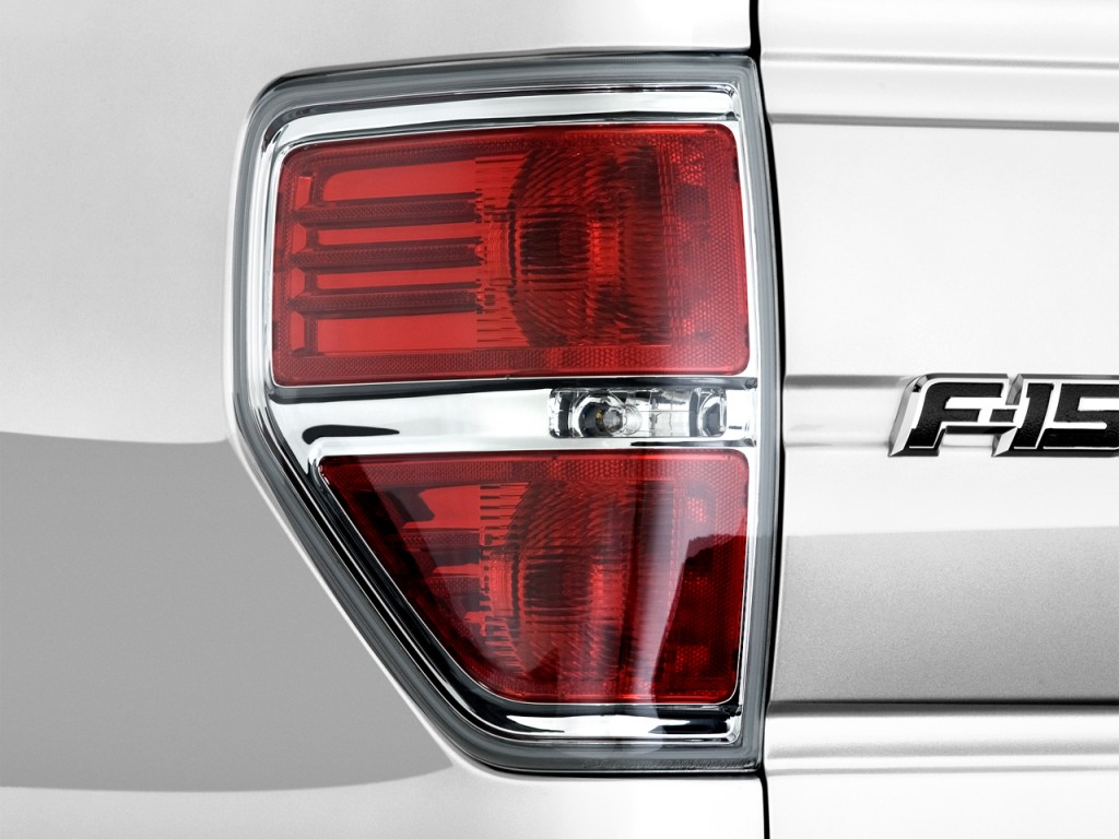 Image 2012 Ford F 150 2wd Supercrew 145 Quot Xlt Tail Light