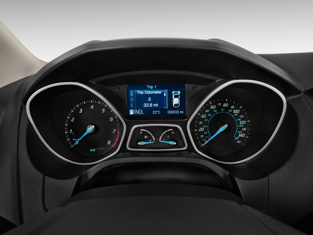 Image: 2012 Ford Focus 4-door Sedan SE Instrument Cluster ...