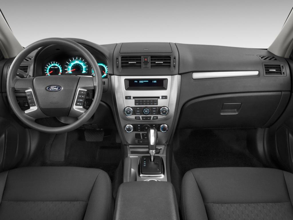 2012 ford fusion 4 door sedan se fwd dashboard