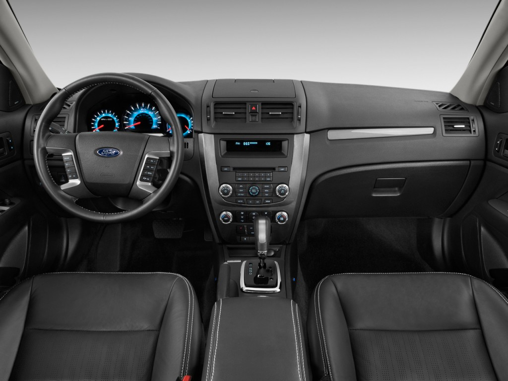 Image: 2012 Ford Fusion 4-door Sedan SPORT FWD Dashboard ...