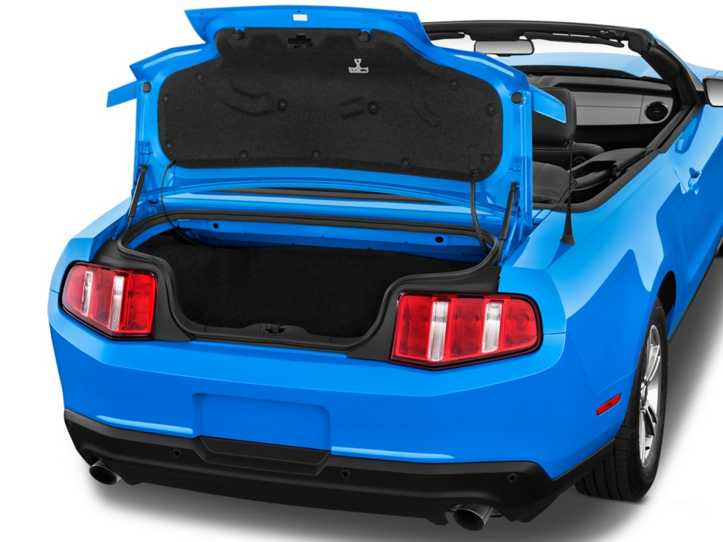 image  ford mustang  door convertible premium trunk size    type gif posted