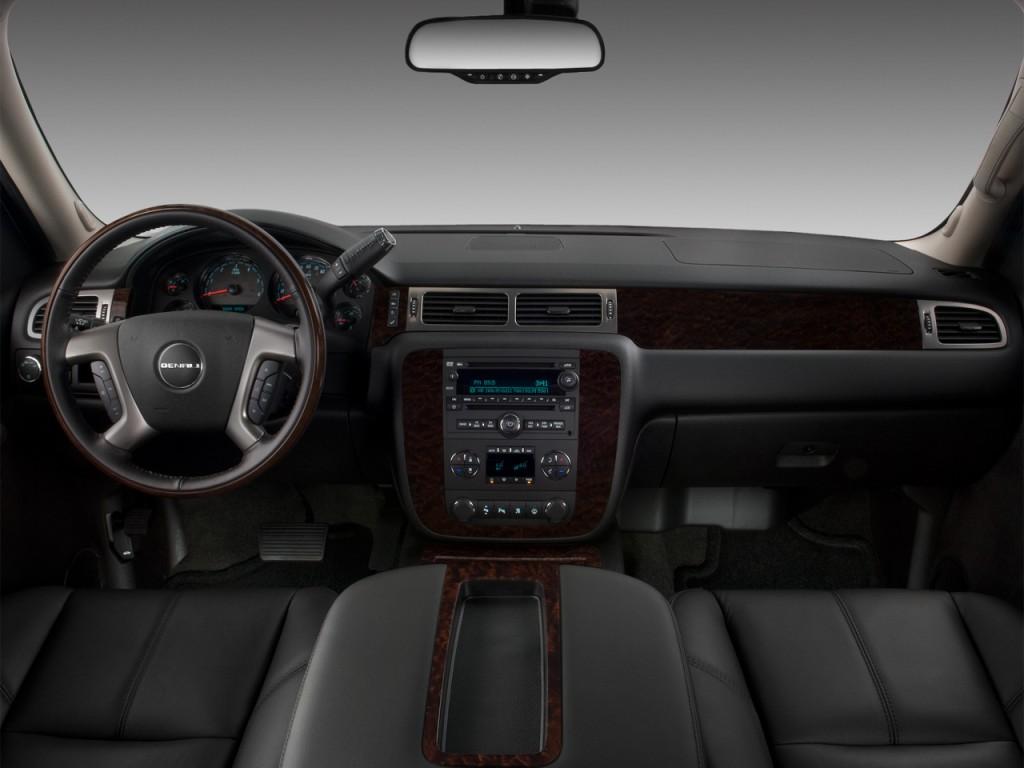 Image: 2012 GMC Yukon 2WD 4-door 1500 Denali Dashboard ...
