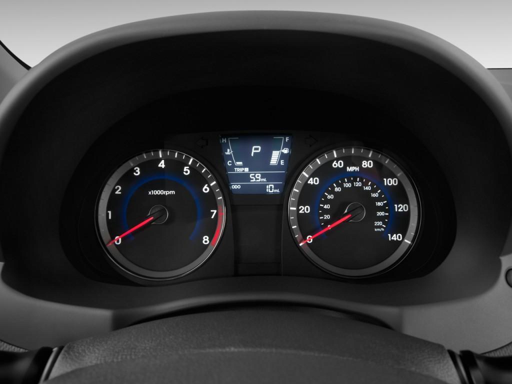 Image 2012 Hyundai Accent 5dr Hb Auto Se Instrument