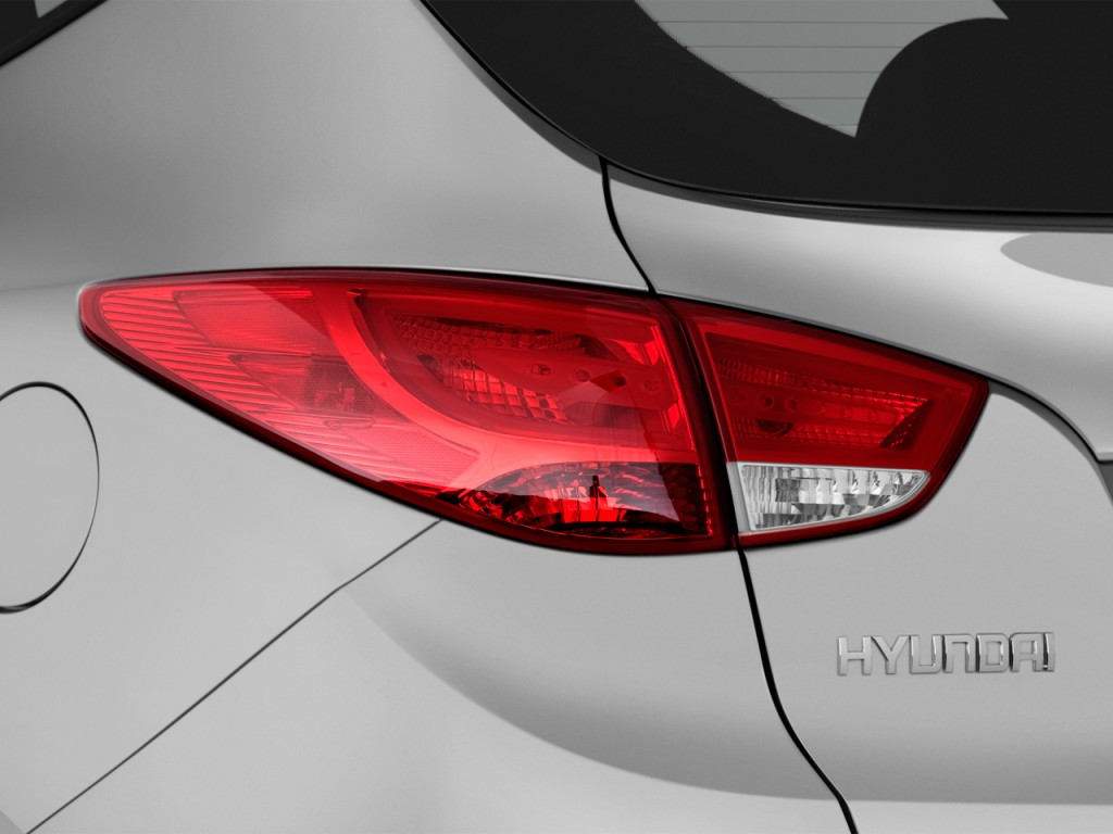 Image 2012 Hyundai Tucson Fwd 4 Door Auto Gls Tail Light