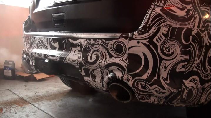 2012 Jeep Grand Cherokee SRT8: Secret Warehouse Revving