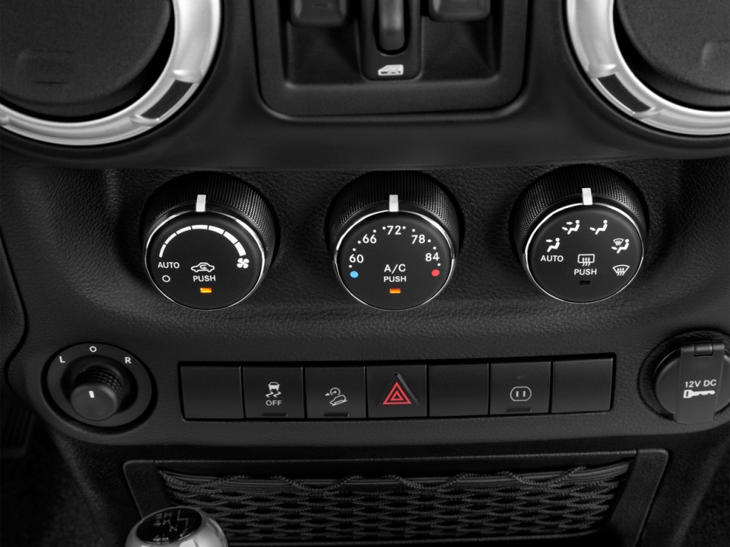 image 2012 jeep wrangler unlimited 4wd 4 door call of duty mw3 temperature controls size 1024. Black Bedroom Furniture Sets. Home Design Ideas