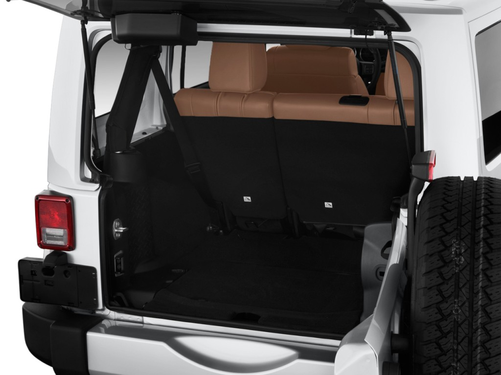 image 2012 jeep wrangler unlimited 4wd 4 door sahara trunk size 1024 x 768 type gif posted. Black Bedroom Furniture Sets. Home Design Ideas