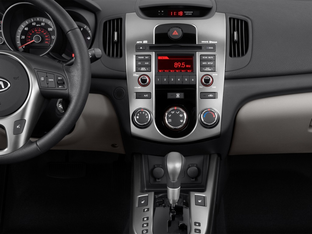 Image: 2012 Kia Forte 4-door Sedan Auto EX Instrument ...