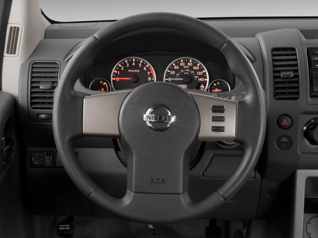 image 2012 nissan pathfinder 4wd 4 door v6 sv steering wheel size 1024 x 768 type gif. Black Bedroom Furniture Sets. Home Design Ideas
