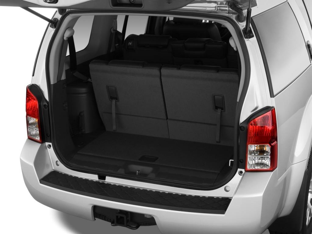 image 2012 nissan pathfinder 4wd 4 door v8 le trunk size. Black Bedroom Furniture Sets. Home Design Ideas