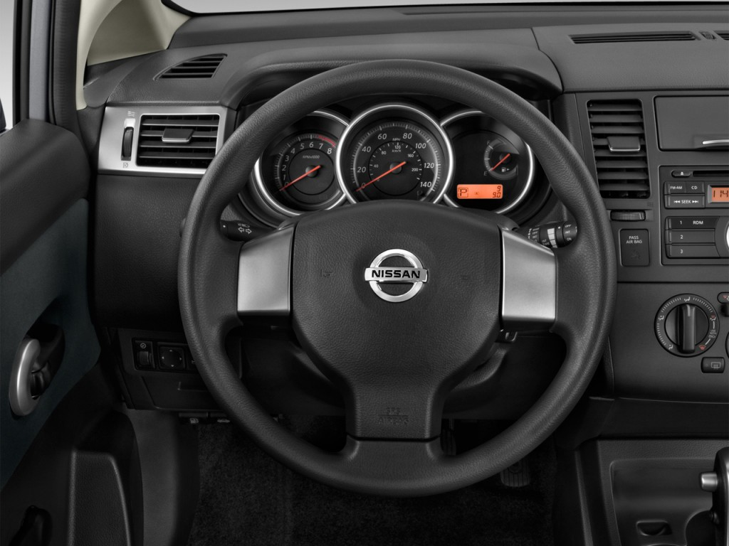 image 2012 nissan versa 5dr hb auto 1 8 s steering wheel size 1024 x 768 type gif posted. Black Bedroom Furniture Sets. Home Design Ideas