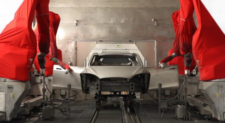 2012 Tesla Model S painting process