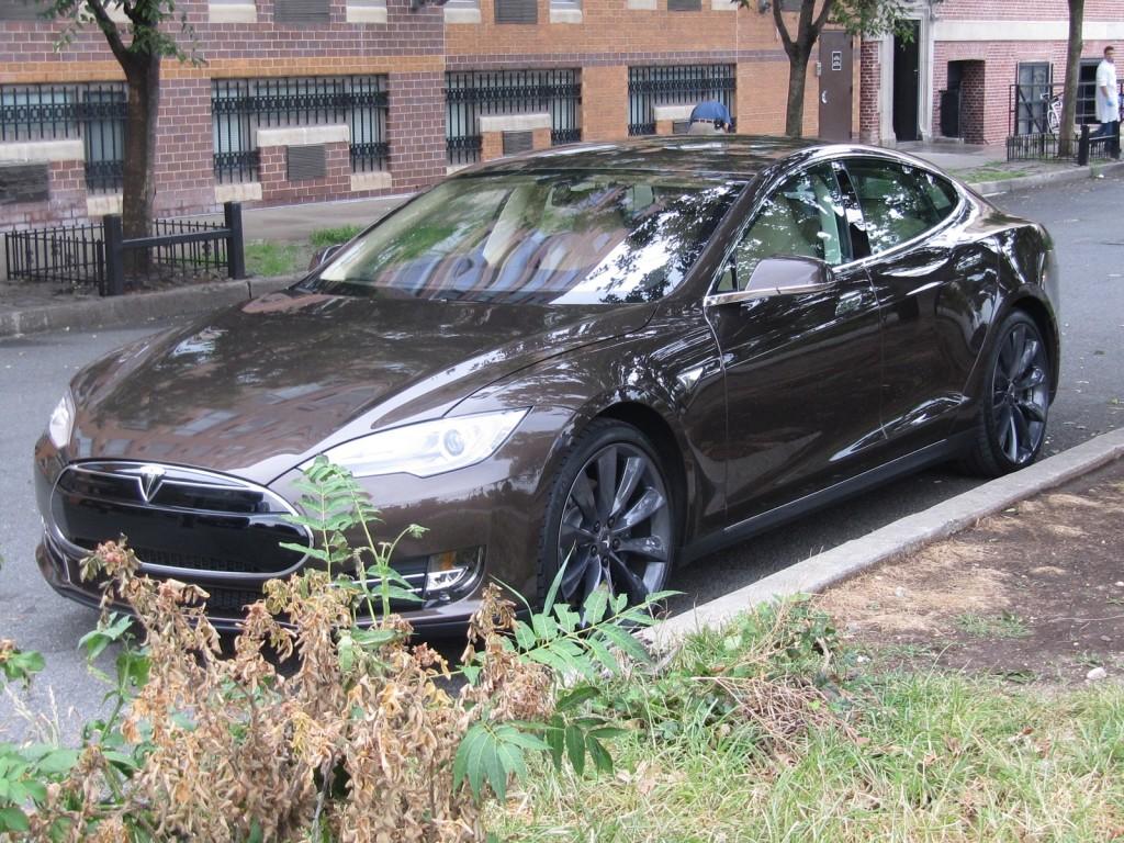 2012 Tesla Model S Driven, 2013 Ford Escape Recalled: Car News Headlines