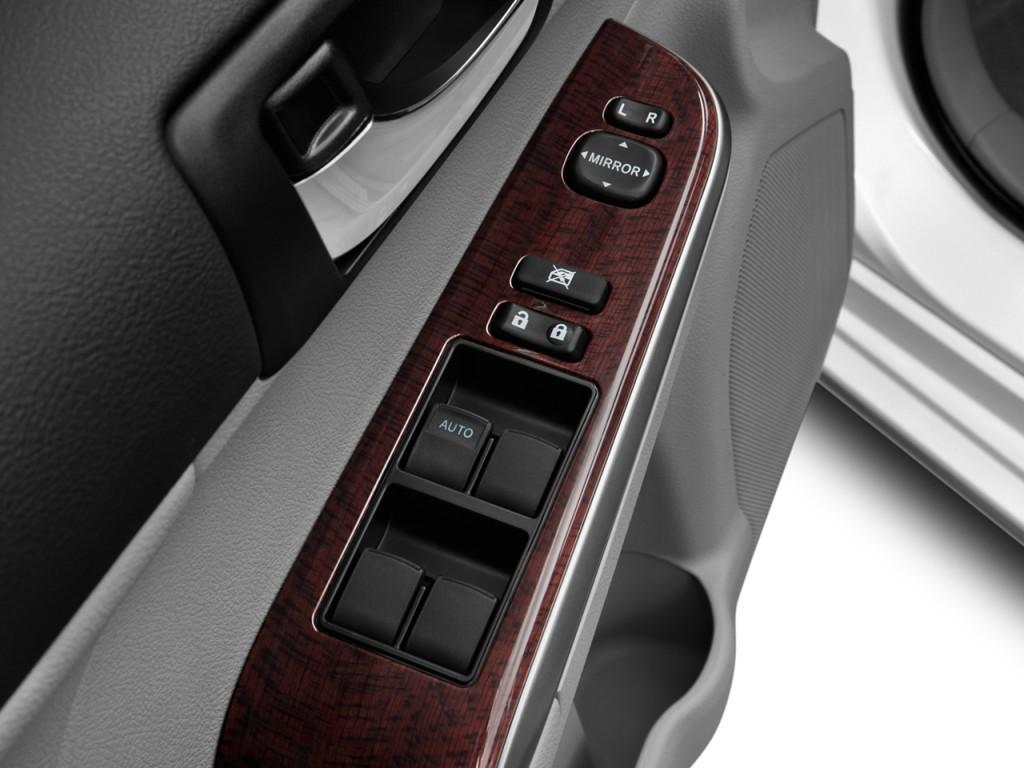Image 2012 Toyota Camry 4 Door Sedan I4 Auto Xle Natl